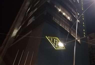 Frontis del edificio central de YPFB en La Paz.  Foto: Miguel Merlendres