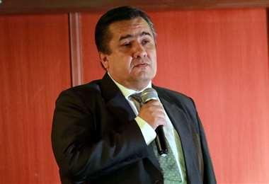 PIE DE FOTO: Un amparo constitucional reconoce a Robert Blanco como presidente de la FBF.