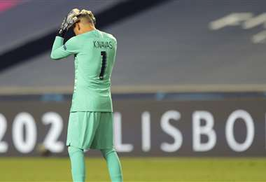 Keylor Navas se lamenta tras perder la final de la Champions League. Foto: AFP