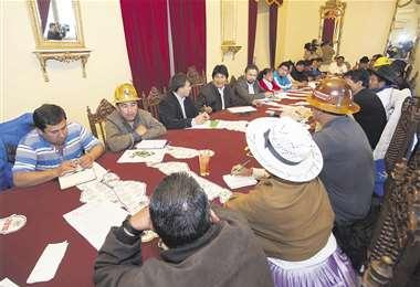 Otros tiempos, cuando Evo Morales lideraba los sectores. Foto: Archivo