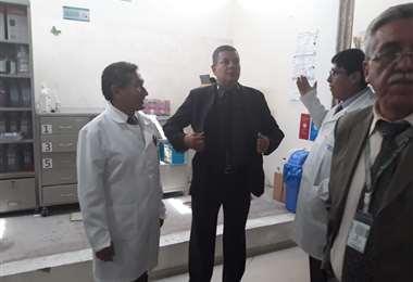 Inspección que realizaron a la clínica las autoridades de la CNS