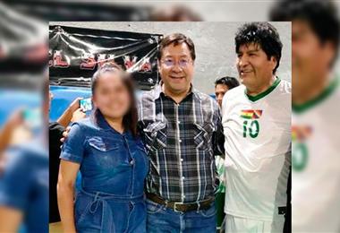 Noemí, Arce Catacora y Evo Morales en un campo deportivo. Foto. Internet