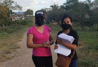 Entrega de cartillas en el municipio de San Javier