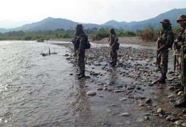 Militares peruanos en una región cocalera. Foto Internet