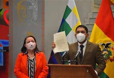 Las autoridades en conferencia de prensa I APG.