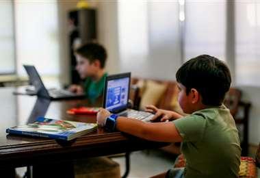 Algunos colegios siguen dictando clases virtuales /Foto: Jorge Uechi