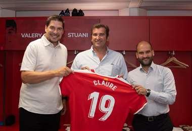 Claure (izq) junto a Ferran Soriano y Pere Guardiola, sus nuevos socios.