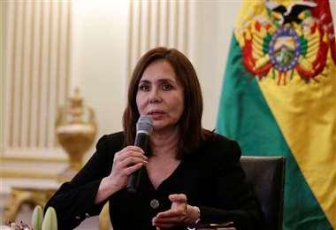 La Canciller Karin Longaric