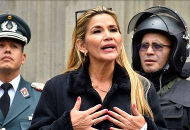 La presidenta Áñez dio una entrevista en Canal 7
