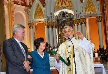En 2019 el monseñor Gualberti le entregó un reconocimiento a nombre de la Iglesia