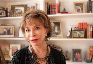 Isabel Allende estará hoy como invitada en el cierre de la Feria Virtual del Libro