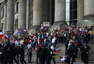 Manifestantes internaron tomar el edificio del Reichstag en Alemania