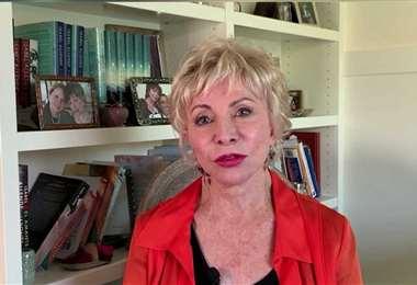 Isabel Allende participó desde su casa en California en la Feria Virtual del Libro