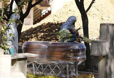 La cantidad de entierros se disparó. APG Noticias