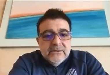 Claudio Vivas, DT de Bolívar, brindó una rueda de prensa virtual este martes. Foto: Captura video