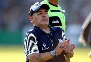 Diego Maradona, DT de Gimnasia y Esgrima La Plata. Foto: Internet