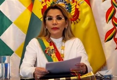 La Presidenta Jeanine Áñez
