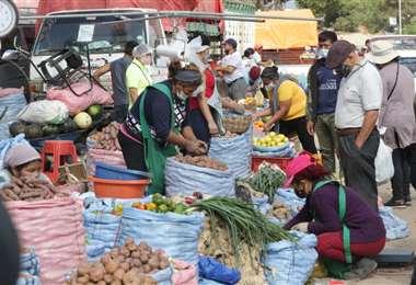 Hasta este miércoles está garantizada la provisión de alimentos Foto: Fuad Landívar