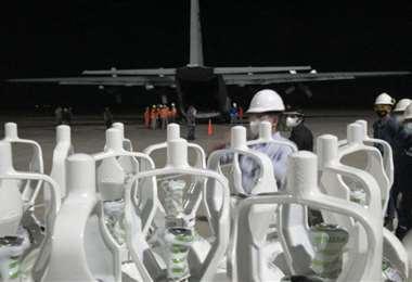 Los cilindros han sido enviados a tres departamentos ante la escasez de oxígeno que hay. Foto: Jorge Ibáñez
