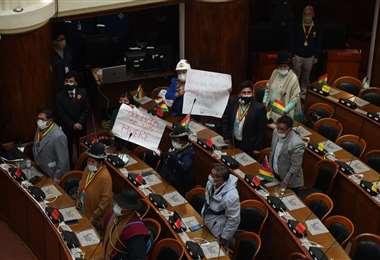 Las protestas en un 6 de agosto dentro de la Asamblea Legislativa Foto APGNoticias