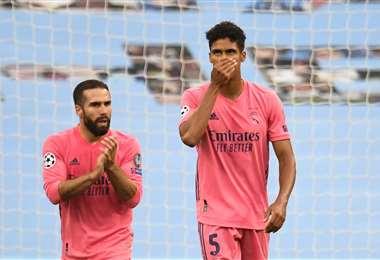 El lamento de Raphael Varane después de la derrota del  Real Madrid ante  Manchester City. Foto: AFP