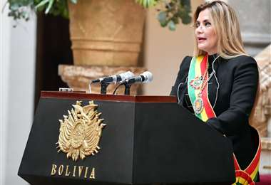 La presidenta Jeanine Áñez pidió un pacto para conseguir recursos que permitan pagar más bonos/Foto: ABI