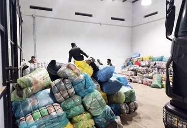 Esta es parte de la mercadería incautado por las autoridades argentinas (Foto: Radio Aguas Blancas)
