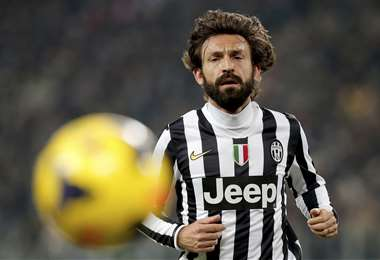 Pirlo jugó cuatro temporadas en la Juventus. Ahora le toca cumplir el rol de entrenador. Foto: AFP