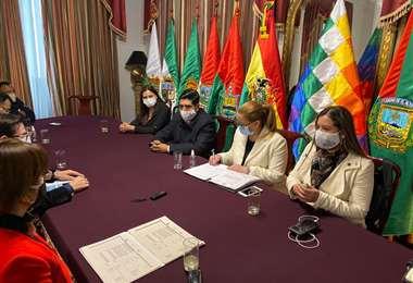 Angélica Sosa se reunió hoy con la directiva de la Cámara de Diputados