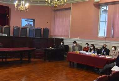 Asistencia restringida en la audiencia de amparo de Evo (Foto: APG Noticias)