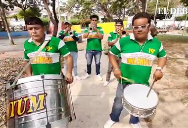 La banda Milenium se sumó al homenaje a Santa Cruz