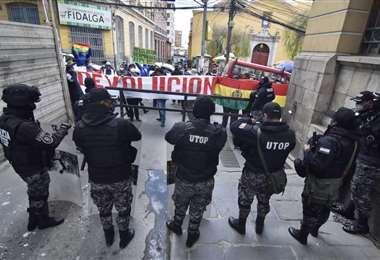 Protestas en la plaza Murillo para la devolución de aportes. Foto APGNoticias
