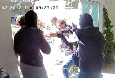 Los delincuentes asaltaron la joyería encapuchados. Foto. Archivo