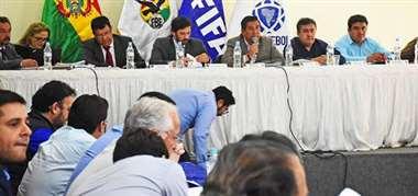 Una reunión pasada del comité ejecutivo de la FBF. Foto: internet