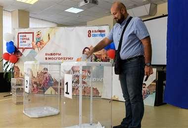 Un votante ruso. Foto AFP