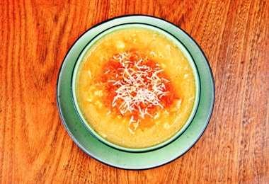 La capirotada es uno de los platos más típicos de Santa Cruz