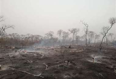 En San José de Chiquitos lograron sofocar un incendio de magnitud/Foto: Límber Cambará