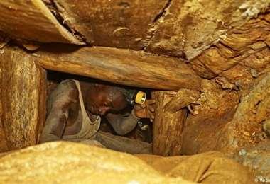 El derrumbe tuvo lugar en una pequeña mina de oro en Kamituga