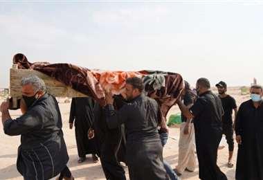 En el 'cementerio del coronavirus' están enterrados chiitas, sunitas y cristianos