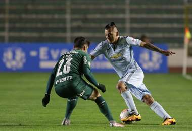 Bolívar y Palmeiras se enfrentaron el miércoles en el Siles. Foto: APG