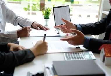 En un contrato financiero usted debe pedir información transparente (Foto: Internet)