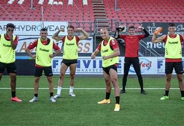 Los jugadores del FC Emmen durante un entrenamiento. Foto: @FC_Emmen