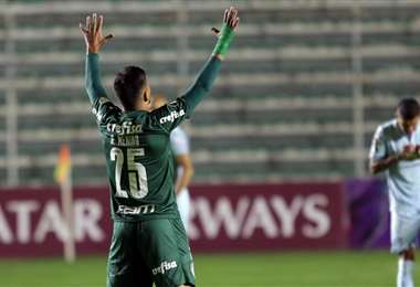 Menino celebra el segundo gol de la victoria del Palmeiras. Foto: APG