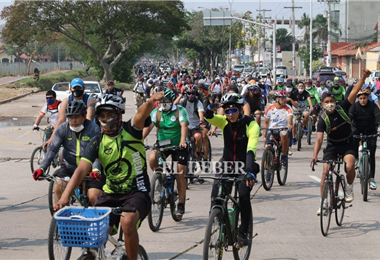 Bici-paseo educativo. Foto. Hernán Virgo