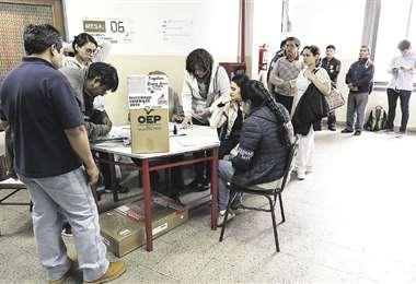 En las elecciones de 2019 votaron 341.001 bolivianos en 33 países. Foto: AFP