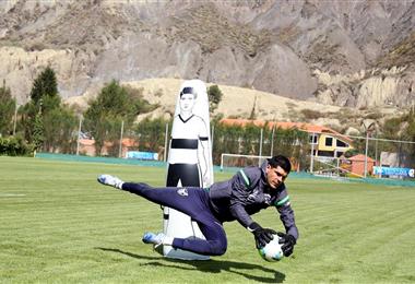 Carlos Lampe durante la práctica de este domingo. Foto: Prensa FBF
