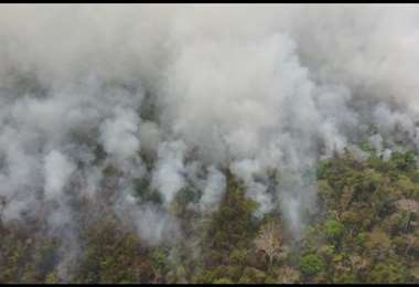 Las autoridades tienen la logística lista para hacer frente a las llamas. Foto: Ipa Ibañez