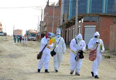 Los casos positivos de Covid-19 se reducen en Bolivia.