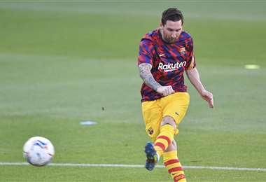 Messi lleva 16 años jugando en primera división. Debutó en el Barcelona.  Foto: AFP