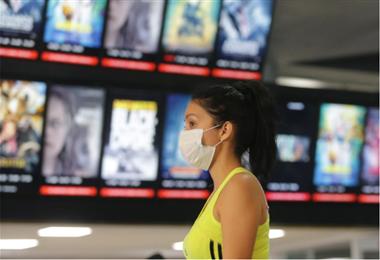 Los cines apuestan por incrementar sus ventas online. Foto: Fuad Landívar